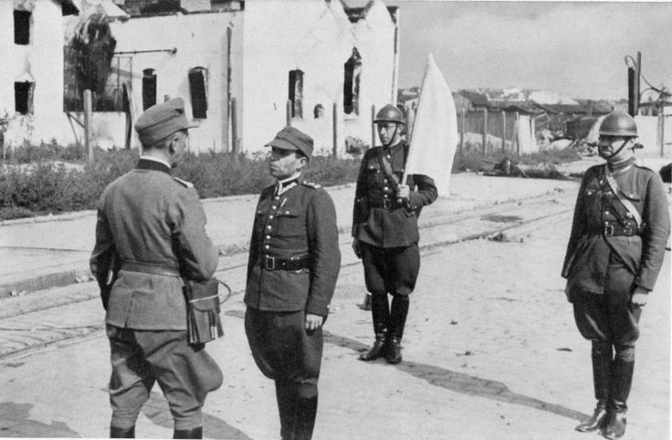 German officer accepts the surrender of the Polish garrison in Lviv.
