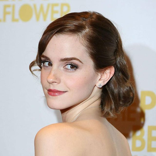 After play as Belle on Disney movie Emma Watson has a new role for the upcoming movie. She play as Mae Holland in the new movie The Circle. The movie was adaption from the Dave Eggers novel in 2013 with the same name. The story tells about Mae who work at powerhouse tech company that will explores the dark side of silicon valley and the tech behemoths. American science-fiction thriller movie directed by James Pondsoldt will come out on April 28. amazonnaws #movie #update #emmawatson…