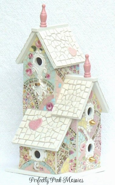 Mosaic bird cottage                                                                                                                                                                                 Mais