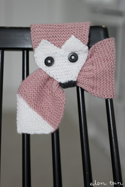 Kettupuuhka. I REALLY want to knit this, but the instructions are in Finnish, and Google Translate doesn't make sense :(