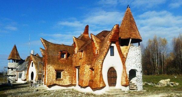 Povestea castelului de lut de la Porumbacu