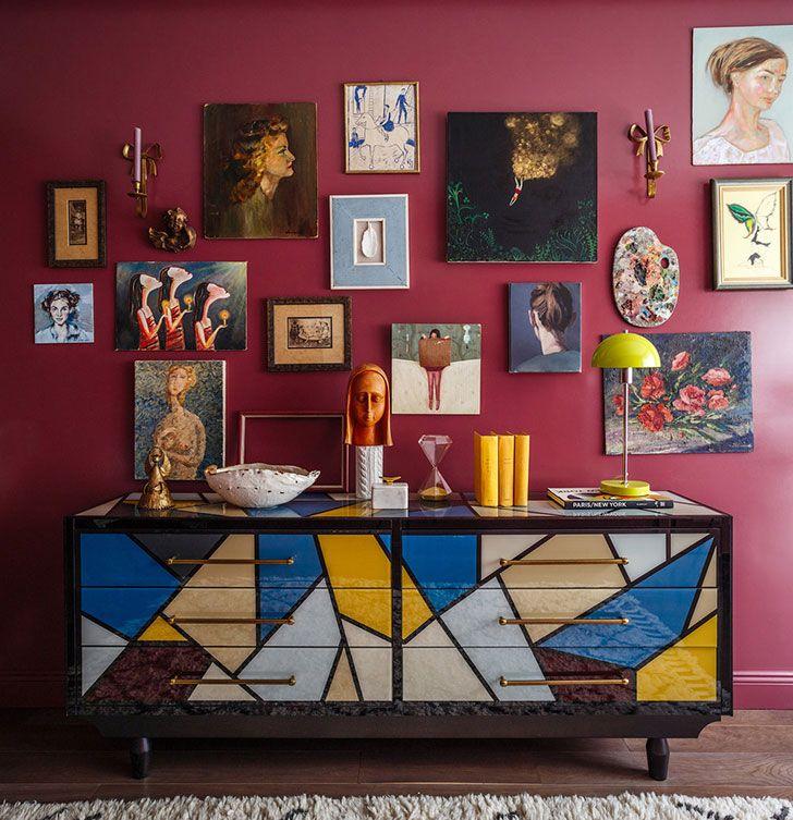 Inspiring (see full home) #designer #home #apartment #flat #small #tiny #design #decor #Home #phrames #decor #wall #red #color #marsala #inspiration idea