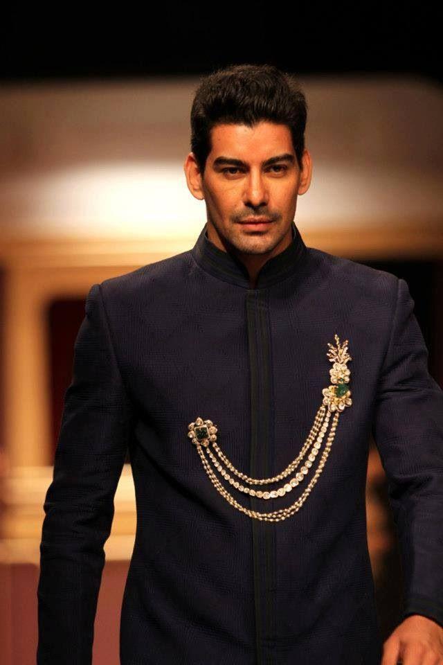 Jewellery for men! Birdhichand Ghanshyamdass #brooch#bandhgala