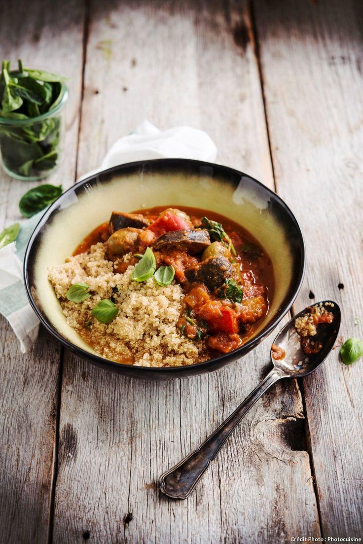 Quinoa aux aubergines sauce paprika - Le quinoa est une formidable source de protéines. Il en contient 15 % en moyenne, autant que le blé et bien plus que le riz, l'orge et le maïs. Il est aussi riche en vitamines B1, B2, B3, B6 et C.