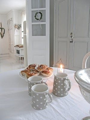 Beautiful, scandi style breakfast table from Lantlif blog