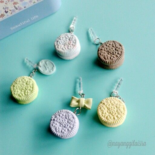 mini oreo in pastel dust plug (phone accesories)