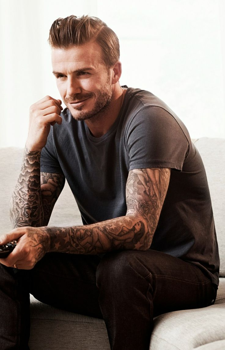 Okay, so I'm really not in to blondes but, come on, it's David Beckham :D
