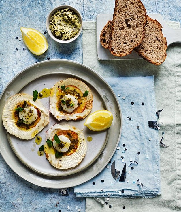 beachin` BBQ (for moi` it's all about that Seaweed Butter)  ~ Barbecued scallops with seaweed butter and rye bread recipe :: Gourmet Traveller