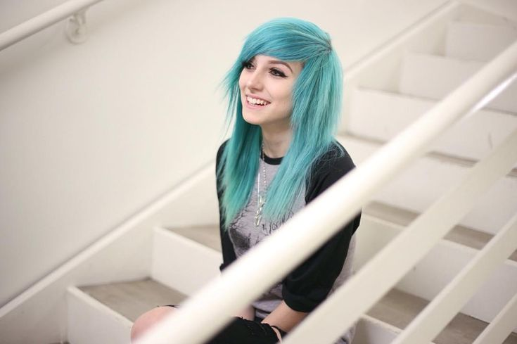 Hey guys im just stopping by to say hey and yeah me and Aaron are doing good *smiles* (alex)