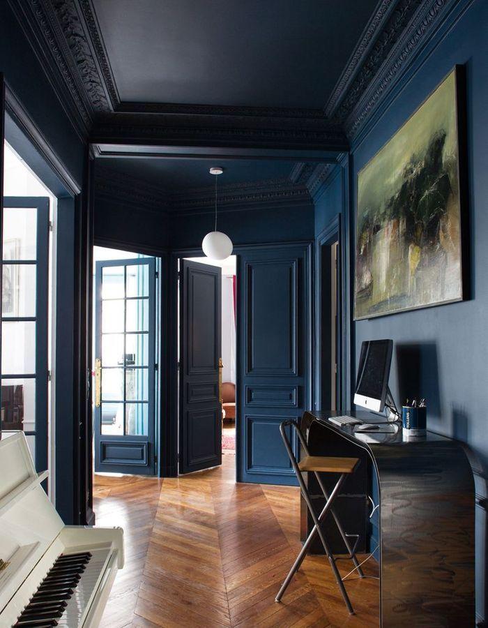 La Decoration Bleu Marine Nous Inspire Et Vous Elle Decoration En 2020 Comment Decorer Son Appartement Decoration Appartement Deco Appartement