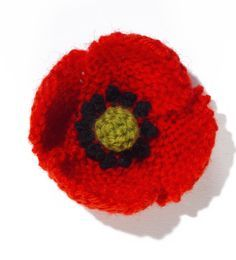 Knit Flower: Field Poppy Pattern.