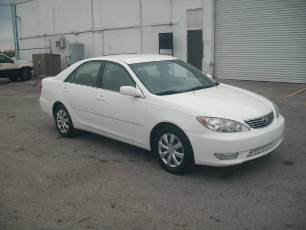 2005 Toyota Camry XLE 103k $4200 obo (Tampa)