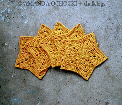chalklegs' 5 Star Dishcloth / Washcloth / Ornament. Love the label she made to go with it.Crochet Kitchens, Stars Dishcloth, Ornaments Add, Birds Room, Cloths Wash Clothing, Dishes Cloths Wash, Baby Birds, Crochet Knits, Coasters