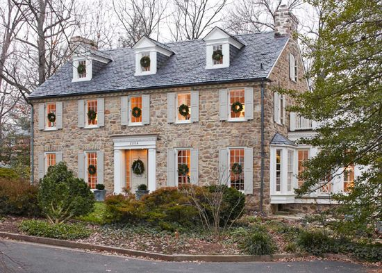 exterior christmas decorations traditional home - Traditional Home Christmas Decor
