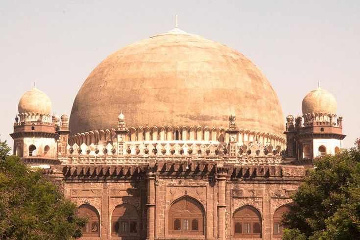 Gol Gumbaz view from the entrance.