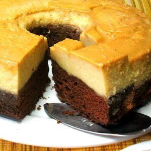 Pastel de chocolate y flan ¡en un solo molde!: Ya no tienes que elegir entre el flan y el pastel de chocolate; con el flan imposible te tocarán de las dos cosas.