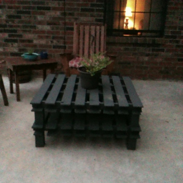 Outdoor coffee table from two pallets