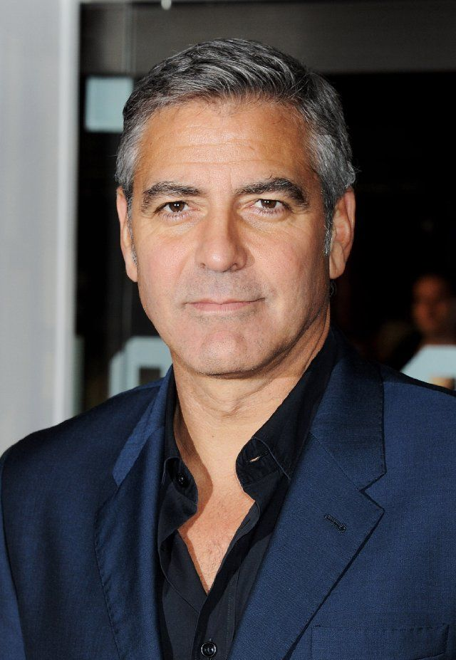 17 images about george clooney on pinterest met gala brad pitt and vanity fair. Black Bedroom Furniture Sets. Home Design Ideas