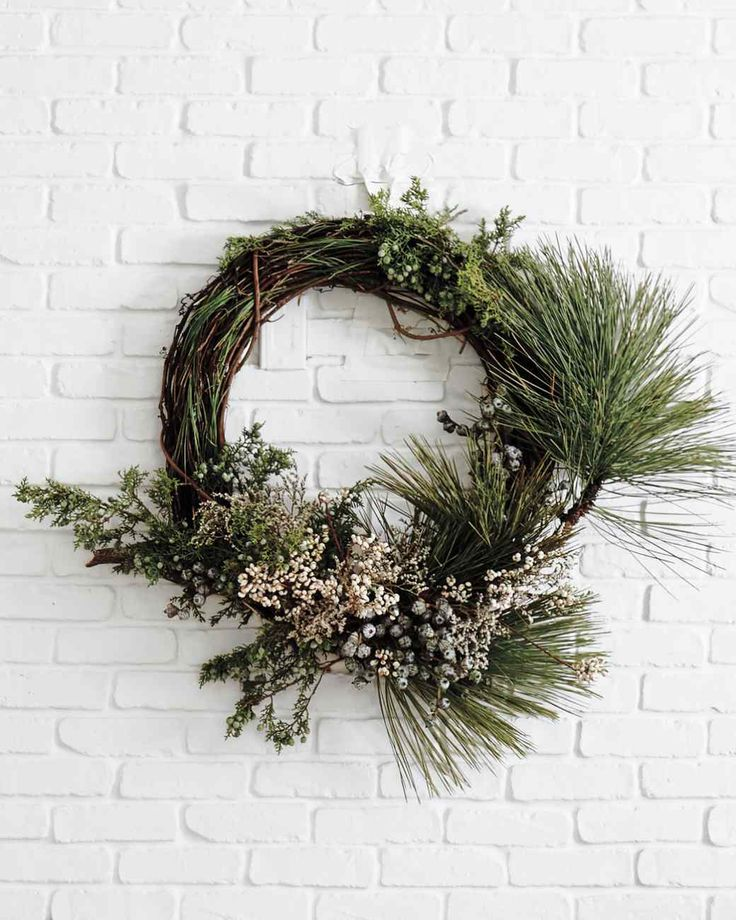 A Dainty Pine Wreath