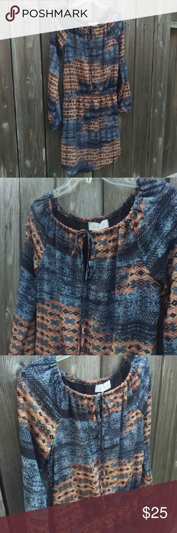 NWT WAYF Aztec Print Dress NWT WAYF Blue and Gold Long Sleeve Aztec Print Dress wayf Dresses Long Sleeve