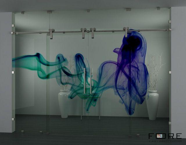 Przeszklenie nr. 2 z drzwiami przesuwnymi ze wzorem Smoke,www.fore-glass.com, #drzwi #drzwiszklane #drzwiwewnetrzne #szklane #glassdoor #glassdoors #interiordoor #glass #fore #foreglass #wnetrza #architektura