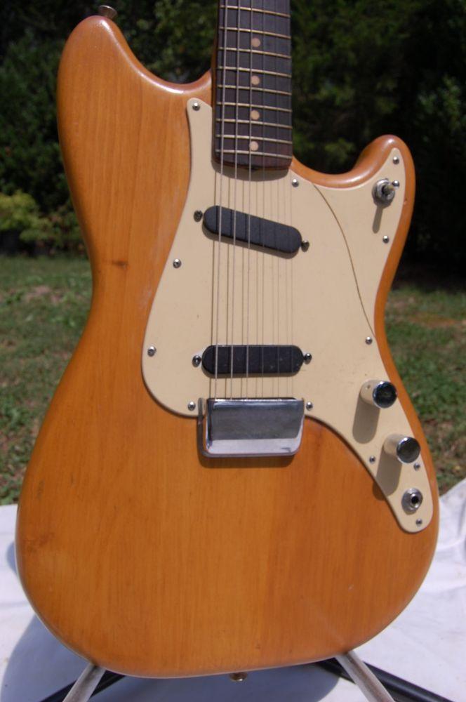 VINTAGE 1960 Fender Duo Sonic Guitar - 1,53995