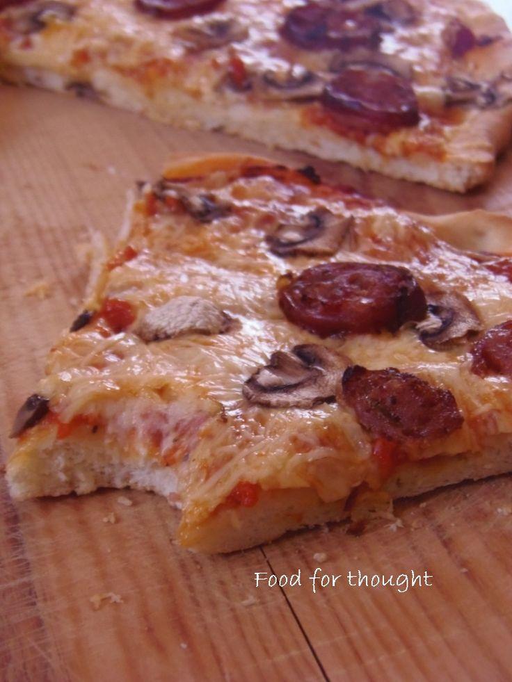 Πίτσα με πανεύκολη αφράτη ζύμη, μανιτάρια και χωριάτικο λουκάνικο http://laxtaristessyntages.blogspot.gr/2012/11/blog-post_11.html?showComment=1352752780551#c8611101643842428484