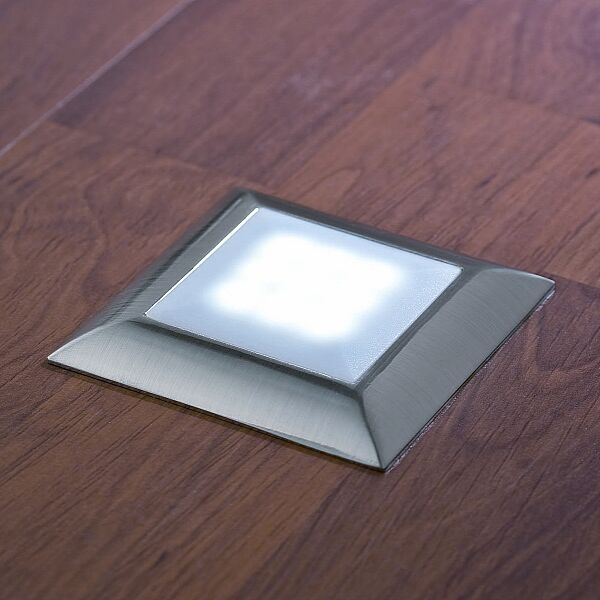 Unaufdringliche LED Bodeneinbauleuchten, für eine stimmungsvolle Atmosphäre.