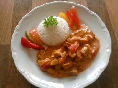 Rezept: Hähnchen- Geschnetzeltes mit Paprika-Rahm-Soße