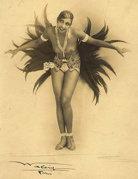 Josephine Baker, an emblematic figure of the 1920s in France.