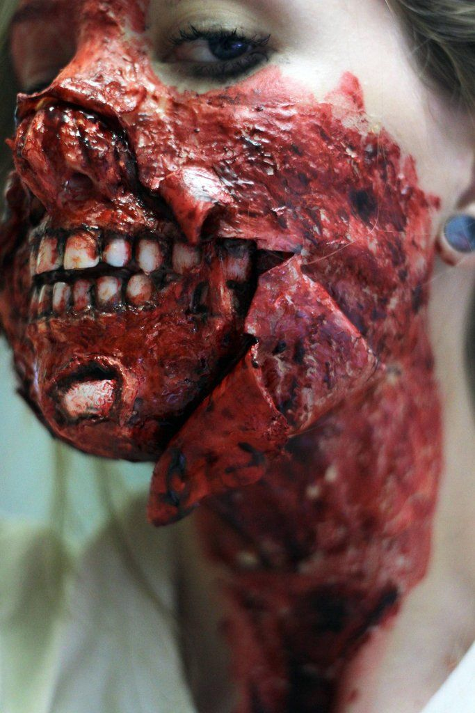 This is a TRUE makeup artist - AH- MAZE- ING WORK!  Zombie Makeup Tutorial - Imgur