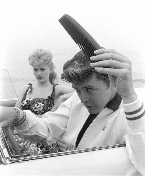 """""""Kookie, Kookie, Lend Me Your Comb,"""" Edward Byrnes & Connie Stevens 1959 Die Attitude mit dem Kamm und der Tolle hatte Teena..."""
