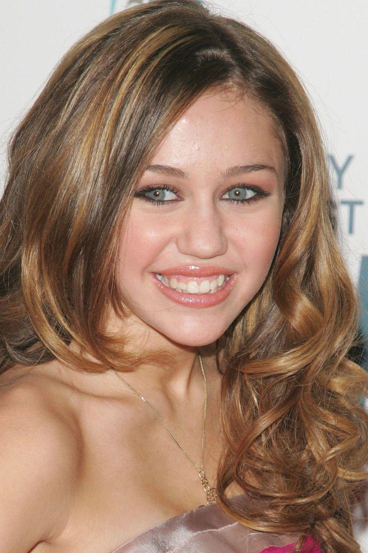 Miley Cyrus at the 2006 CMA Awards.