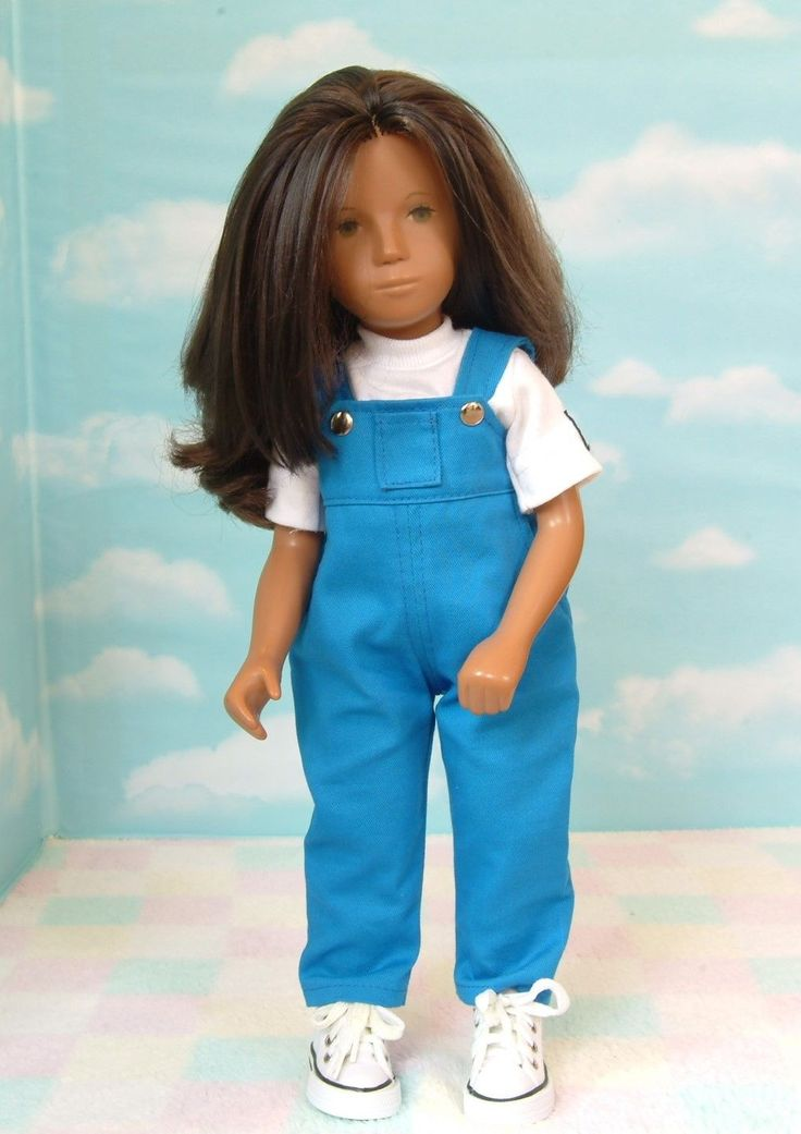 Sasha doll, brunette, 1970/71. Her fringe had been cut when I bought her so I have rerooted her fringe. I have washed & brushed her hair, it is non falling, just a little dry on the ends. Her eyes are slightly oxidised to a greenish /brown colour. | eBay!