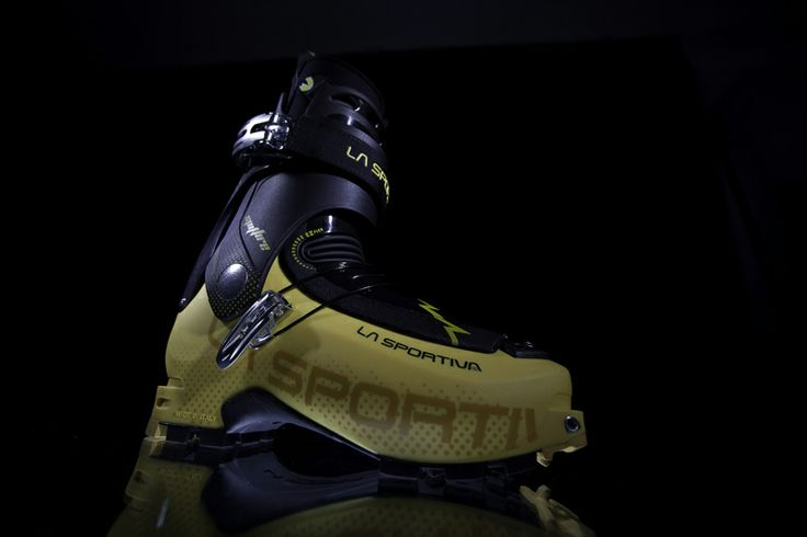 The Spitfire represents the perfect crossover between the high-speed world or rando-racing and the lightweight requirements of freeride touring where speed is safety. Designed for dedicated and demanding ski mountaineers, this model uses the finest technology currently available to create a lightweight and FAST adjusting high-performance boot.