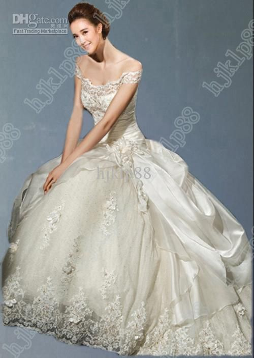 Elegant  Collection Essence Best selling A Line Wedding Dresses Taffeta Lace Handmade flowers Wedding Dress Bridal Gown Chapel train