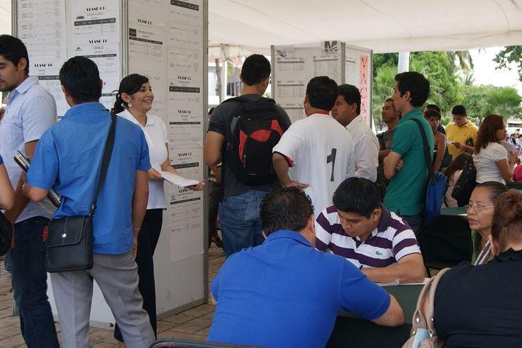 Con la realización de la Feria de Empleo Ciudad Hidalgo 2015, se concluyó con la aplicación de este programa que atendió a 24 mil buscadores de empleo, colocando en una ...