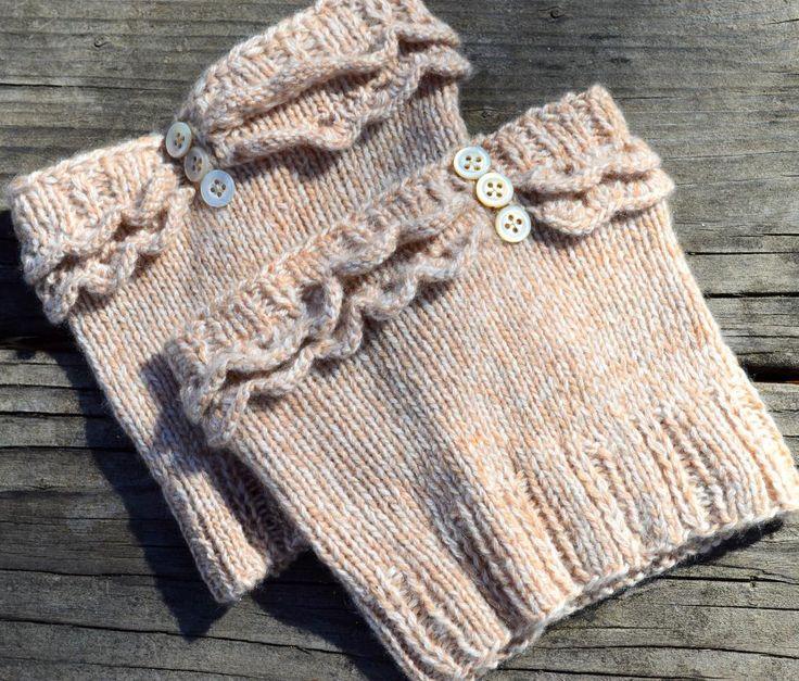 Ruffled knit boot cuffs free pattern