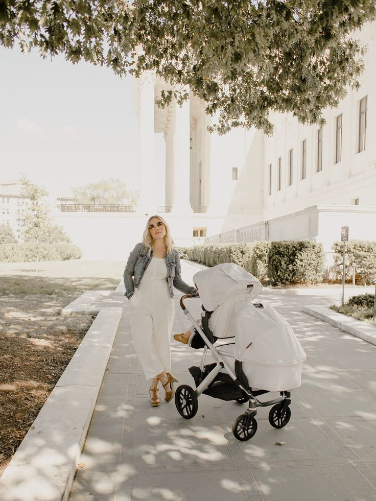 The Double Stroller Life with the UPPAbaby VISTA — Sitting