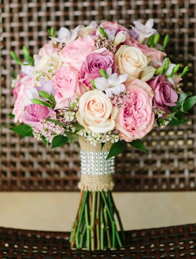 bridal bouquet; Featured Photography: Bob Care Photography
