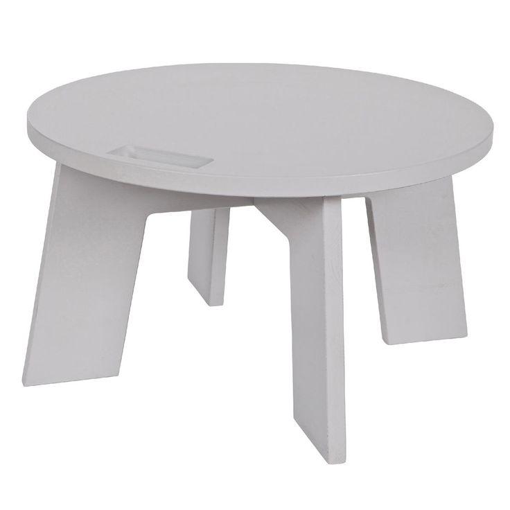 Deze vtwonen tafel heet 'Grip' en dat is niet zomaar; dankzij het speciale handvat zet jij deze tafel met het grootste gemak overal neer! Een tafel waar je alle kanten me op kunt; want ook het design is zeer veelzijdig en makkelijk te combineren.
