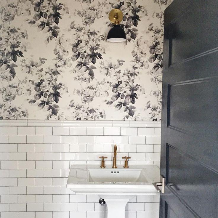 @studiomcgeestudio. Love this wallpaper!!