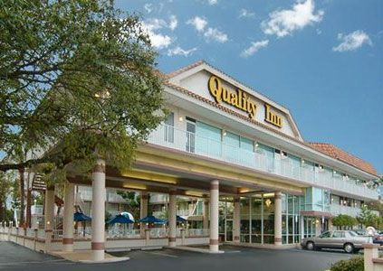 Quality Inn Clearwater FL 33764. Upto 25% Discount Packages. Near by   Attractions include Florida Aquarium, Downtown, Clearwater Convention Center. Free   Parking and Free Wifi internet. Book your room and start saving with   SecureReservation. Please visit- www.thehotelclearwaterfl.com/