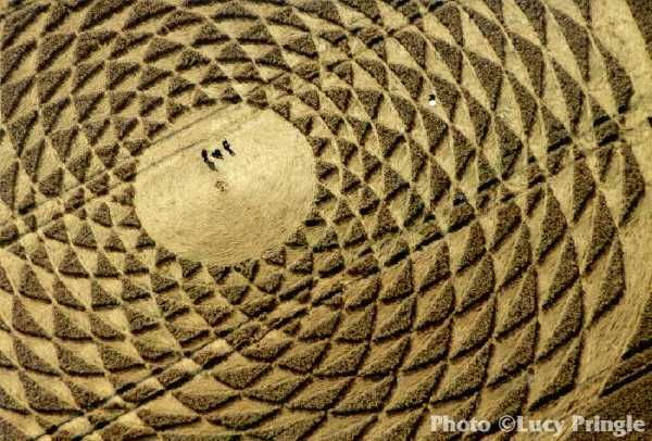 uk2000 Lucy Pringle's Crop Circle Photography