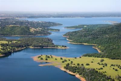 Lake Natoma is the holding basin between Folsom Dam and Nimbus Dam which leads to the start of the lower American River.