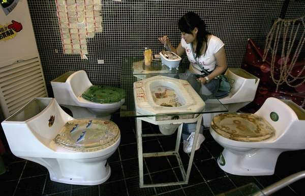 Toilet Themed Dining (UPDATE) - Marton Restaurant Now a Chain (GALLERY)