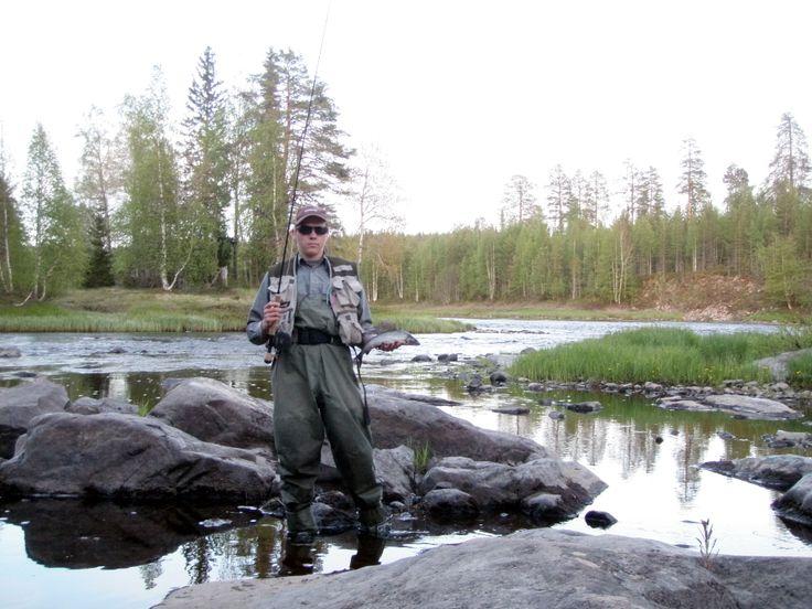hirvipirtit lapland cabins Finland, Taivalkoski, greyling fishing in river Iijoki