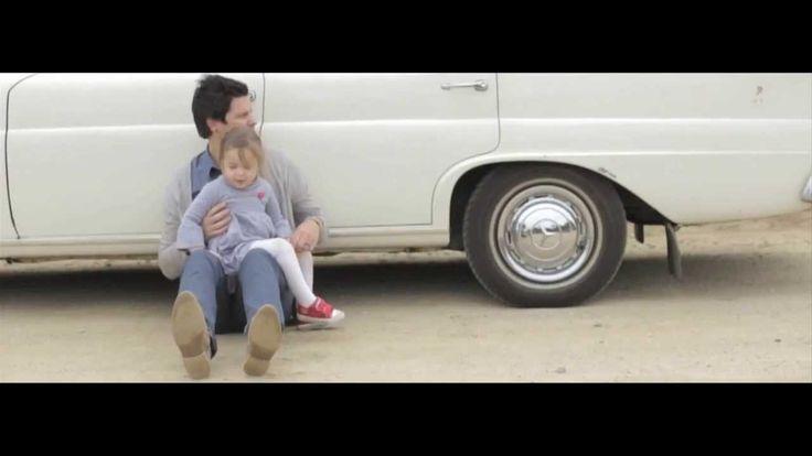 Heeltemal totaal el al versot op hierdie liedjie en video!! Elvis Blue - Rede Om Te Glo