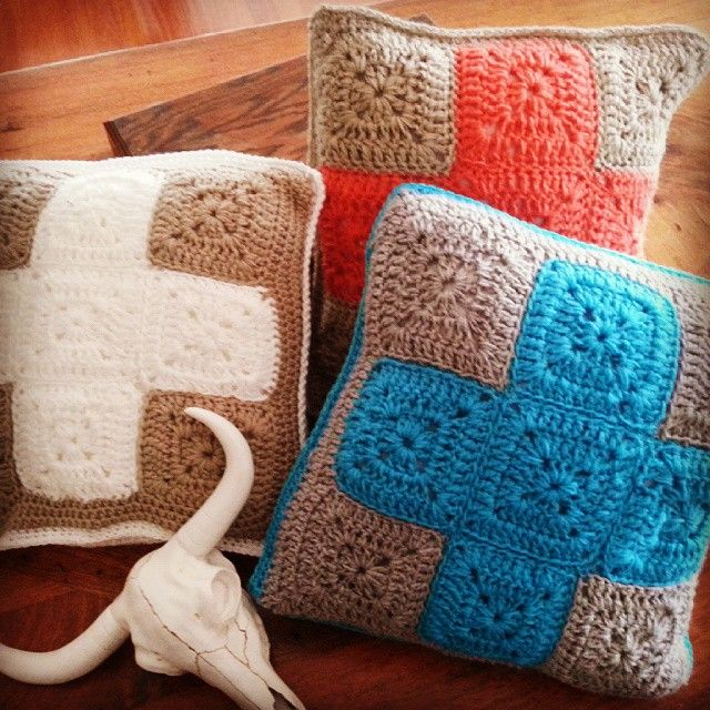 Crochet cushions #craft #crochet #cushions #cushion #crosses #handmade #homedecor #decor #interiorstyle #boho #bohostyle #livingroom#bedroom #handcrafted #wool #crochetaustralia #moderncrochet #moderndecor#dormstyling##bohostyling#skull#wolfandyarzz