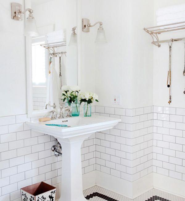 Oh So Beautiful Paper: Small Bathroom Renovation Inspiration / Riesco & Lapres via Desire to Inspire